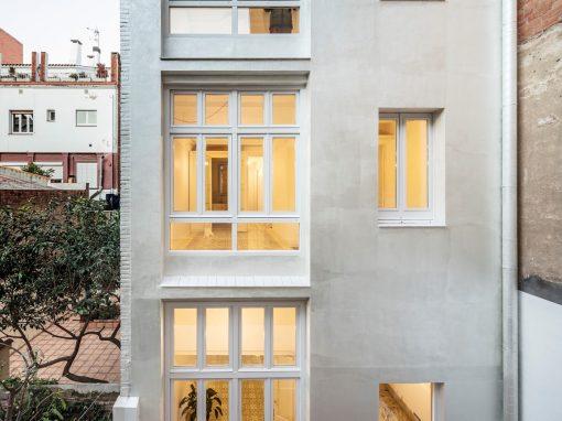 VORA – Reforma edificio de viviendas en Vallirana 47, Barcelona.
